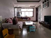 寨子潍坊路顶楼93平三室两厅带大草厦子有上下水