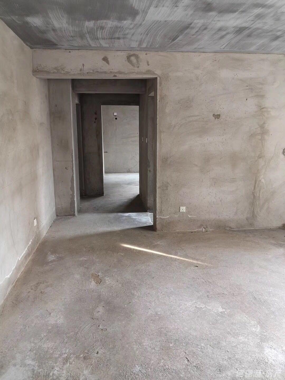 海韵华府郎郡117平1楼 201