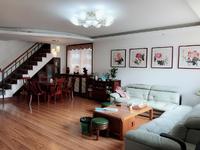 高区帝王宫悦海小区多层复试实木精装修4室 东边户 带车库