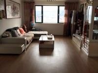 出售高新花园3室2厅2卫134平米150万住宅