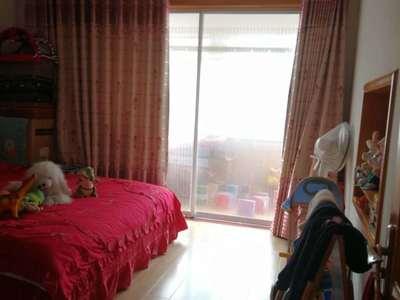 古寨东路、神道口、威海一中东89平精装修带实木家具4楼东边户售价92.8万可贷