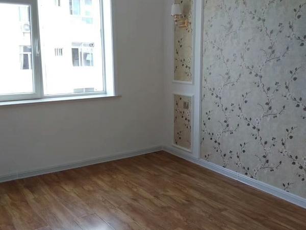 塔山中路67平2室1厅带草厦售57.8万