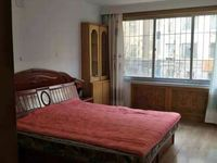 皇冠南区 金海湾花园 3室简装修92平带储藏室