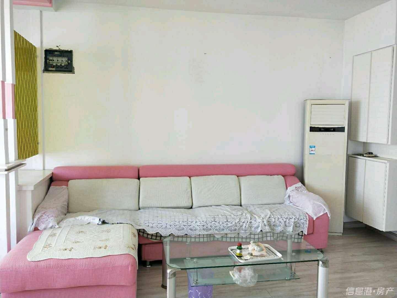 悦苑大厦精装修一室一厅电梯房出租适合小情侣居住