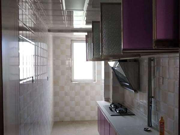 温泉明珠1-1 多层带电梯3楼出售