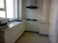 出租普通装修经区九龙明珠花园小高层全新家具家电3楼145平东边户3室2厅2卫