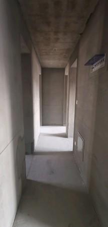 保利红叶谷高端品质封闭小区电梯18楼3室朝阳毛坯带储藏室