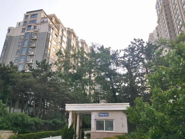 国际海水浴场青青小城150平15楼3.5米层高全明户型豪装带家电家具192.8万