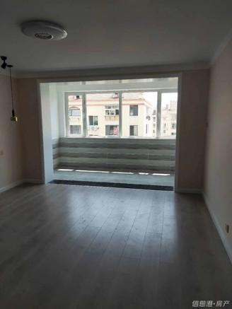 出售朝阳小区3室西边户精装带30平草厦