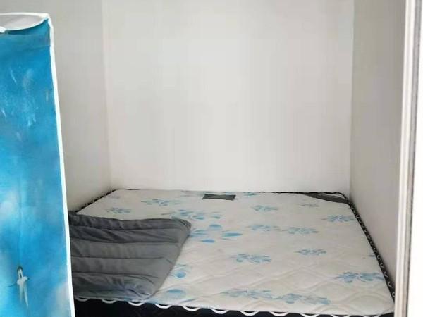 大地公寓东边户两室两厅中等装修楼房出租配套齐全