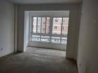 性价比高,昌鸿C区三居室西边户楼层毛坯房出售储藏室19平米