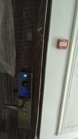 南海翡翠城新房出售顶账房出售 ,地暖指纹锁等设施齐全,一手房交钱直接去办房产证