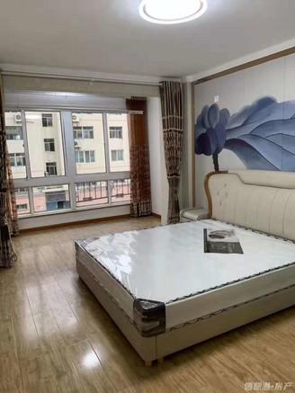 急售!威海一中!云鹤山庄框架三楼94平3室精装修房115.8万!