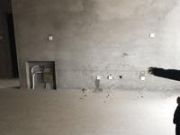 威高花园97平5楼毛坯 2012年3室2厅草厦8平带车位169.8万