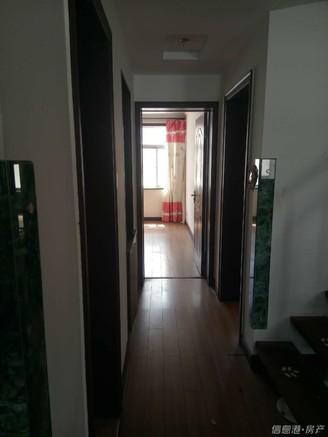 颐和小区4室2卫邻一小
