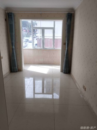 市中心 城里中学 石河街小区 精装修 2室 卫生间带窗