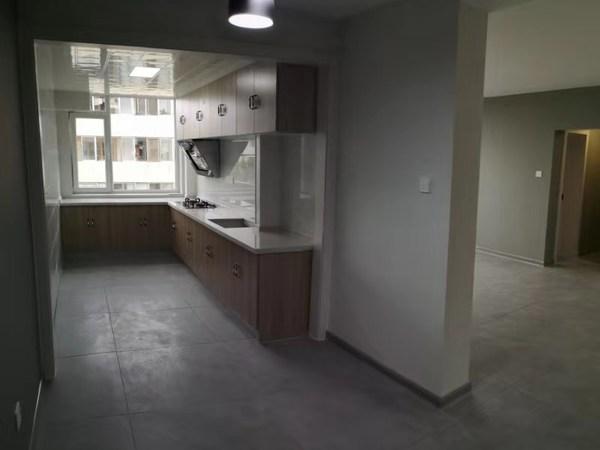 车站 市中心 蒿泊 新都 住人5楼西边户 三室两厅 南北通透 卫生间带窗