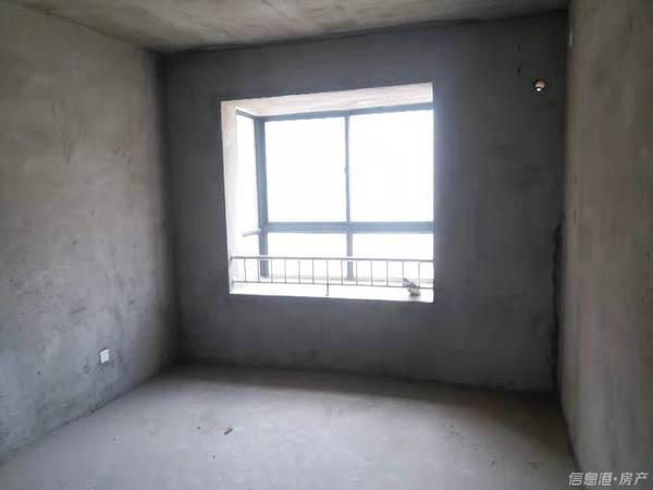 车站 华夏 蒿泊 盛德 山水绿城 一楼带院 三室两厅一卫 东边户
