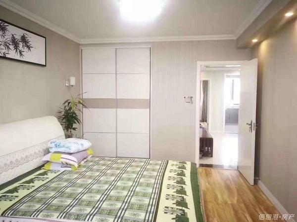 北竹岛附近精装81平住人5楼 1999年3室2厅草厦8平可拎包入住87.8万