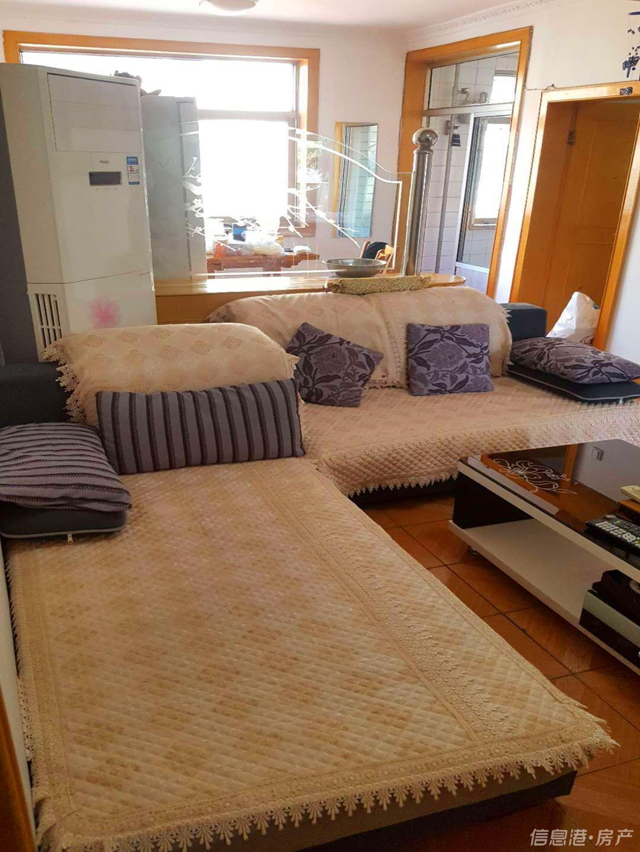 南竹岛四方路3楼68平两室配套全1300实景照