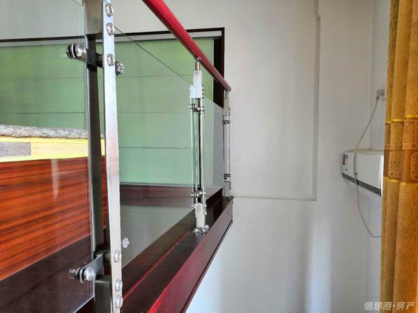 威海中医院南抱海花园10楼62平两室实景照