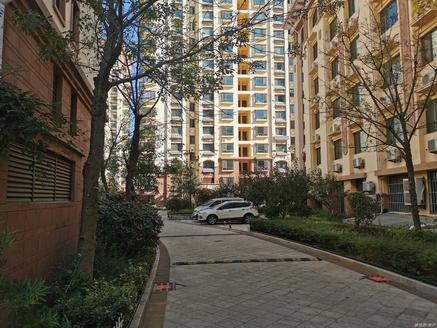 急售世昌大道营创美域电梯十楼119平简装三室两厅一卫138万