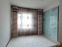 御鑫佳园高层16楼东边户93.5平中装带车位两室两厅 103.8万