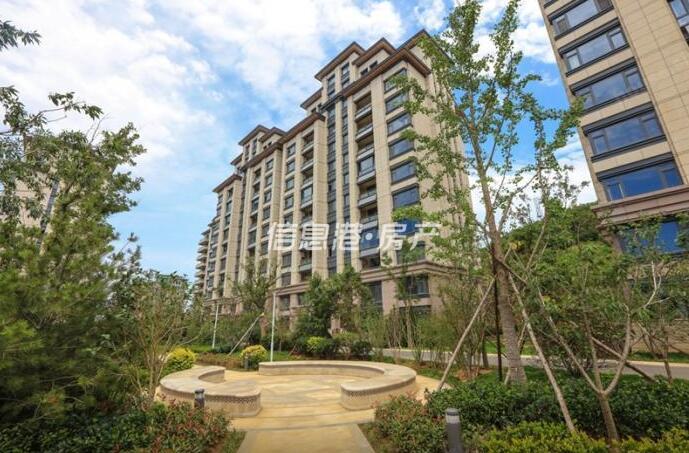 出租威高花园房源,精致高档小区,环境优美,装修豪华,家具家电齐全,拎包入住。
