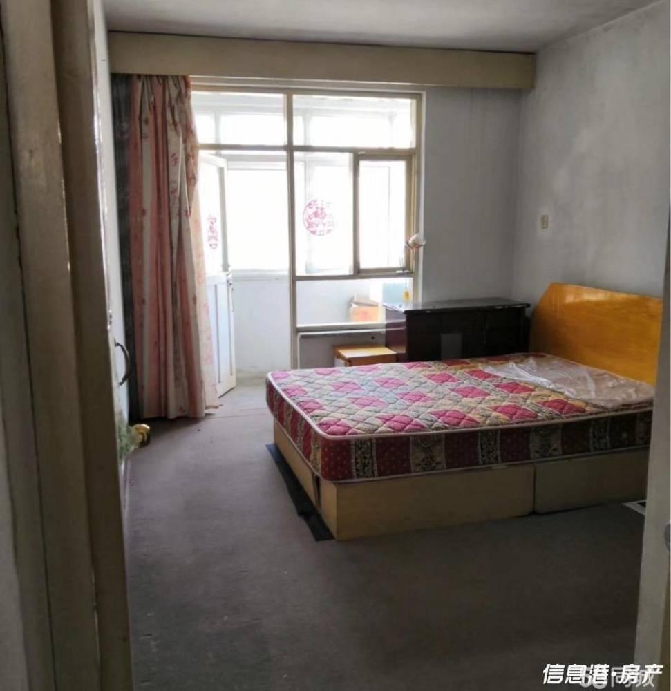 出租古寨东路社区2室1厅1卫66平米800元/月住宅