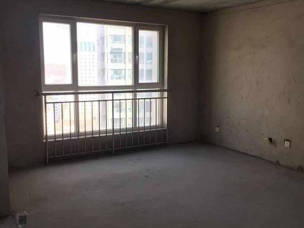 高新花园133平15楼 2012年3室2厅无草厦带车位175.8万