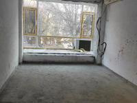高区钦村王 府家园楼房出售,一楼带小院错层格局1.2.3层毛坯