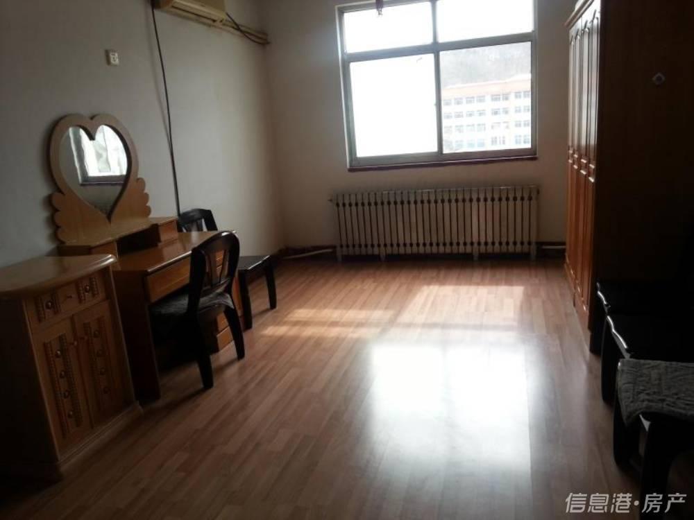 出租西门城里中学旁3室2厅1卫111.86平米1500元/月住宅