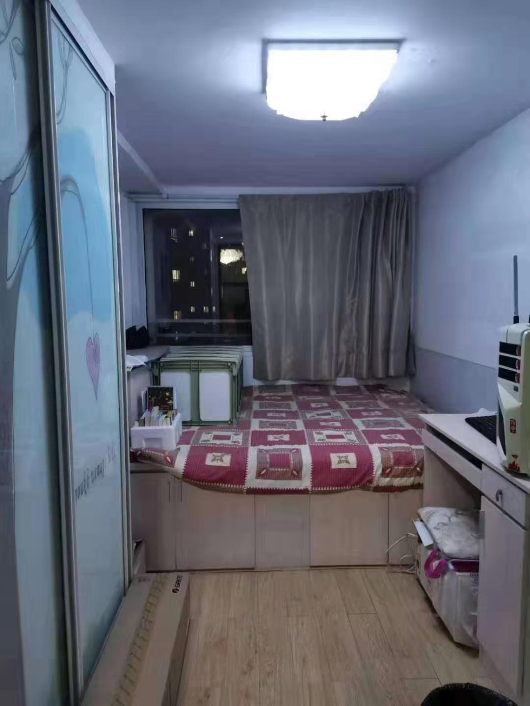 昌鸿B区两居室精装修阁楼出租拎包入住