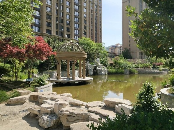 威高花园112平多层全明户型带地下车位,精装修,带草厦售价189.5万可贷