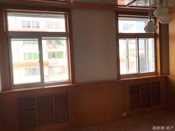 梦海小区4楼96平三室两厅带储藏室