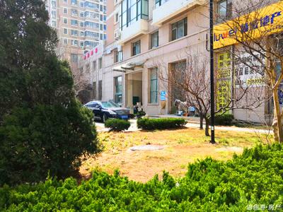 抱海花园15楼135平三室两厅双卫精装实景照