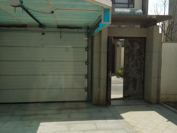 金林湾联排别墅 送面积160多平花园 房证面积192平