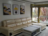 居家花园小区, 樱花时尚 59.8万 3室2厅1卫 精装修,业主急卖此房