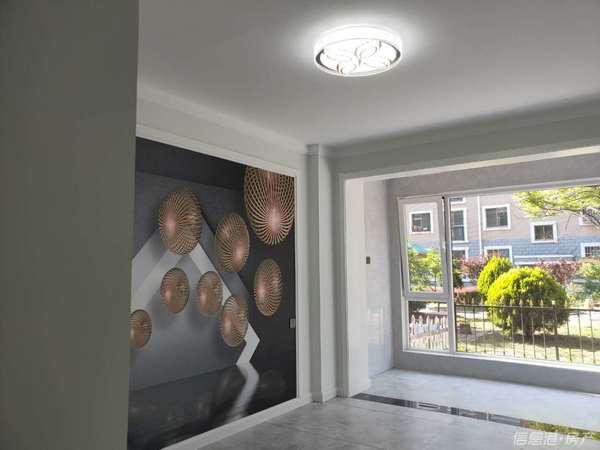 出售林语山庄3室2厅1卫96平米118万住宅