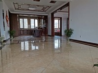 吉售彩凤山城封闭小区141平精装修东边户 有车位储藏室南客厅