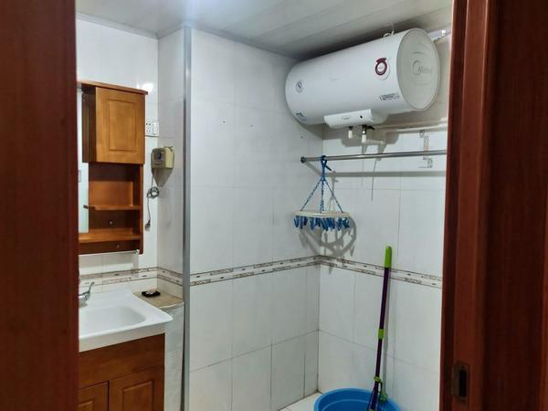 世昌大道 万家疃 古寨 中 万美家园一期 电梯精装三室