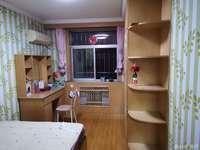 塔山小学门口,真正的学区房,住人2层带草厦,孩子上学不用接送,风雨无忧