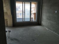 出售崂山新城一品五楼加阁楼,120多平米,带地下室
