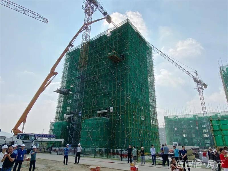 威海恒山社区I区3栋回迁安置楼主体封顶
