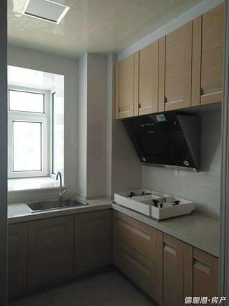 田村A区7楼电梯房85平实木精装带车位和草厦