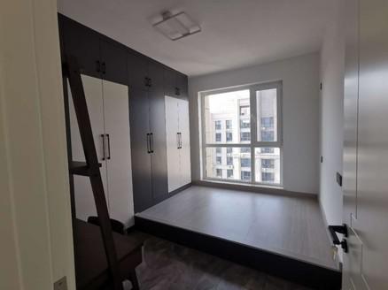 九龙城龙跃国际一期153平五室两卫新装修带阳光房243.8万
