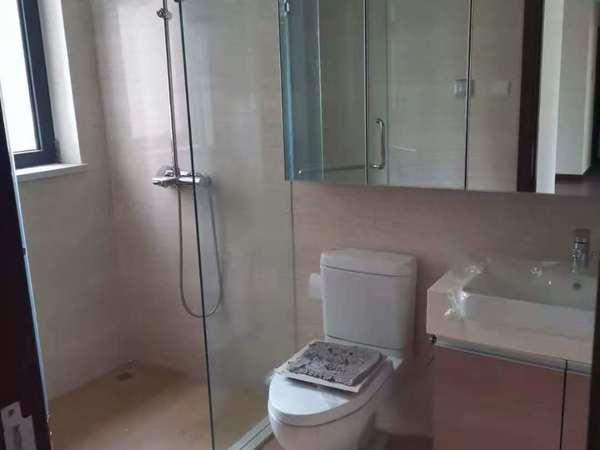 华发九龙城111平2楼东边户精装3室仅售169.8万