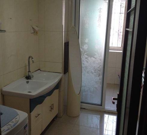 国税小区自有住房136平米1楼3室2厅2卫送储藏室