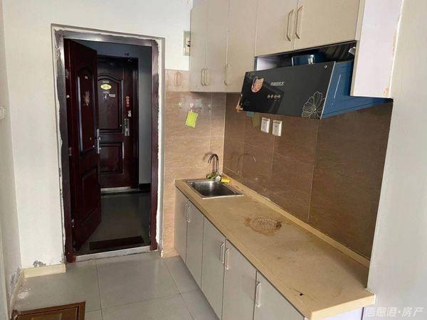 出租龙都公寓1室1厅1卫41平米900元/月住宅