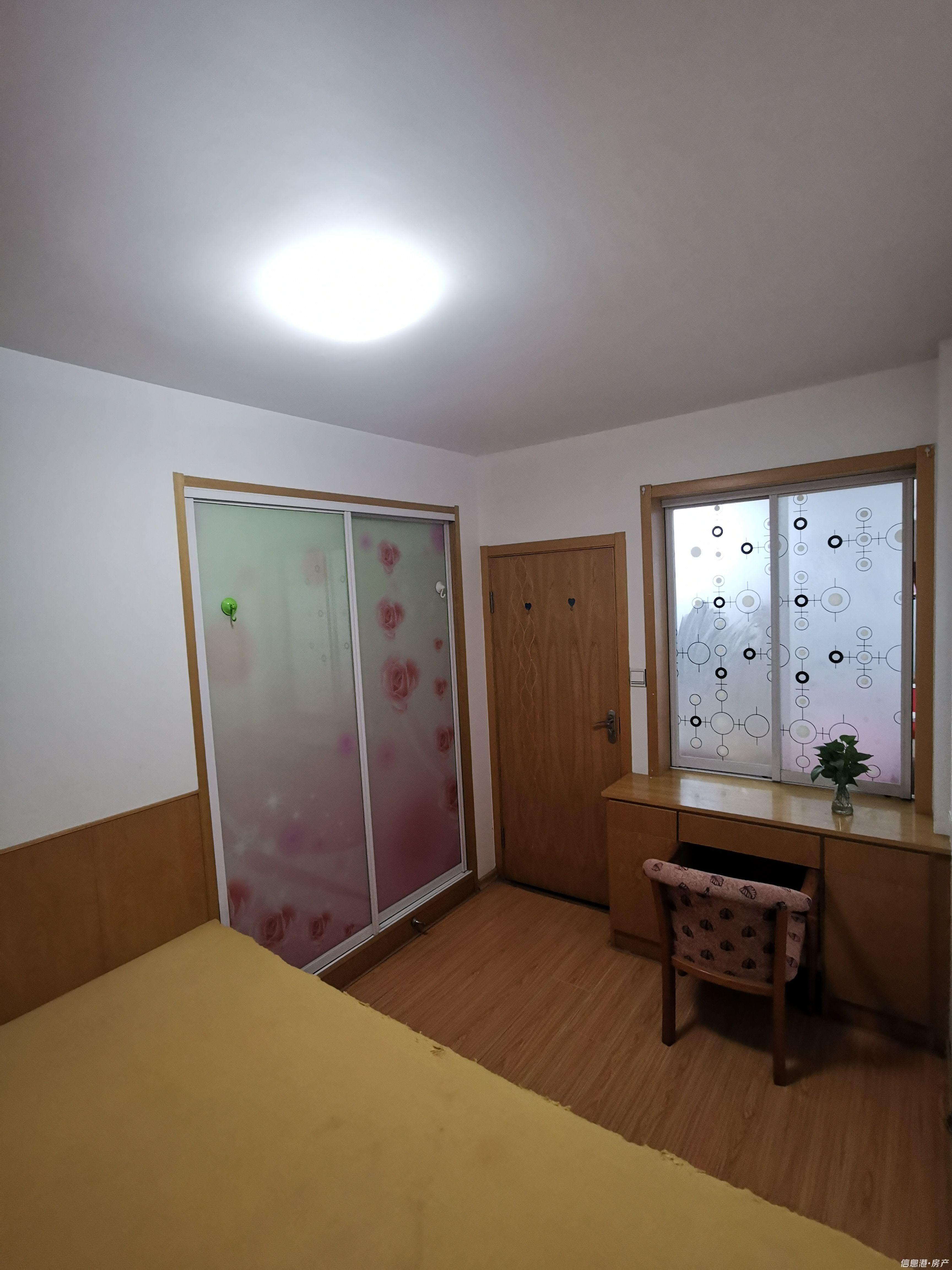 出租馨安苑3室2厅1卫18平米650元/月住宅